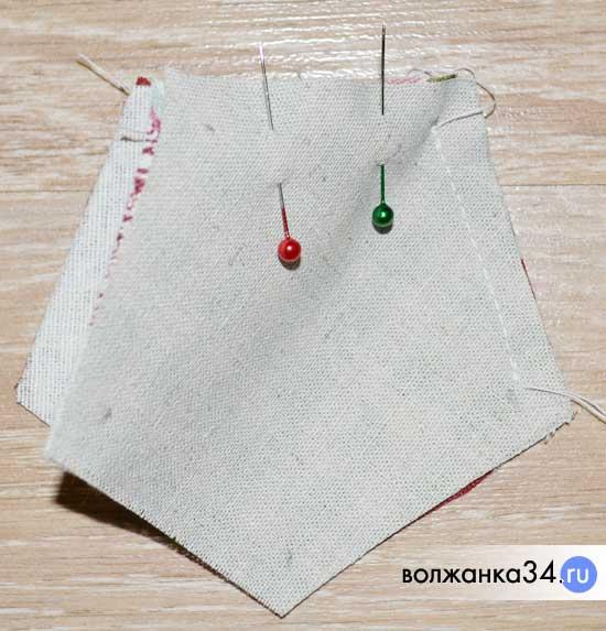 Шаг 3 - сшиваем между собой боковые детали